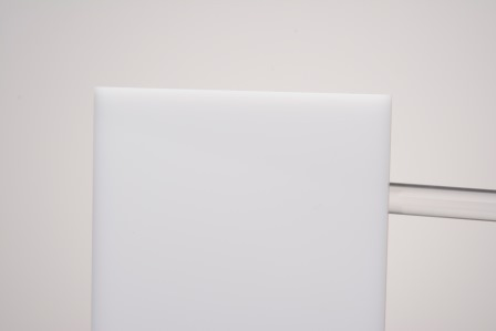 plexiglas xt weiss wn070 mecacryl gmbh ihr partner in der plexiglas und kunststoffverarbeitung. Black Bedroom Furniture Sets. Home Design Ideas