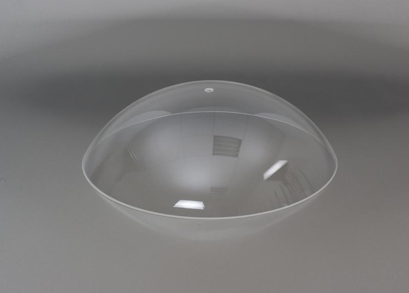 Lichtkuppeln aus transparentem Plexiglas